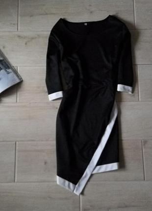 Базовое офисное платье миди с ассиметричным низом