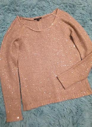 Красивый свитер с золотой нитью и пайетками