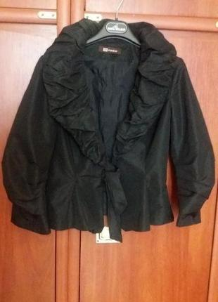 Шикарный пиджак бренда monton