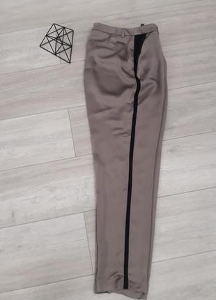 Шелковые брюки оливкового цвета с черными лампасами от autograf