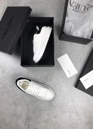 Шикарные кроссовки белого цвета alexander mcqueen white black3 фото