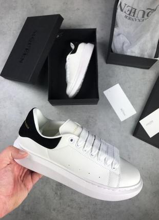 Шикарные кроссовки белого цвета alexander mcqueen white black