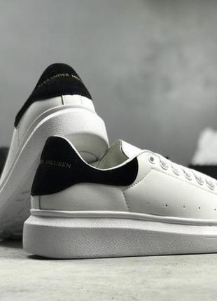 Шикарные кроссовки белого цвета alexander mcqueen white black2 фото