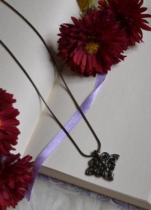 Цепочка с подвеской и гематитовым покрытием и кристаллами сваровски pilgrim
