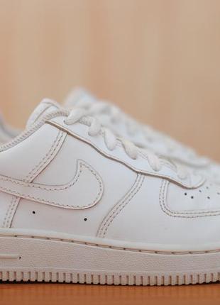 Белые кожаные детские кроссовки nike air force i, найк. 31,5 размер. оригинал
