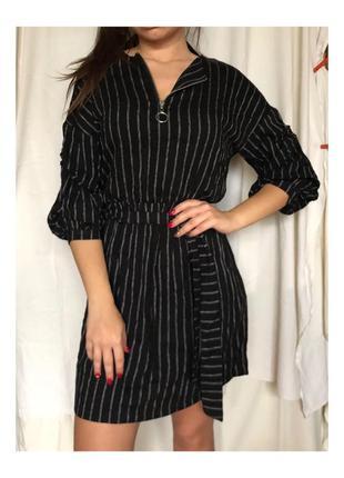 Чёрное платье с серебряноми полосками