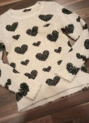 Красивый теплый фирменный свитер