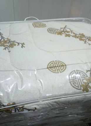 Теплое шерстяное одеяло