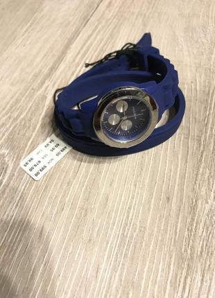 Кварцевые часы pilgrim на двойном силиконовом ремешке