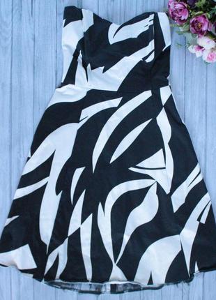 Коктейльное платье без бретелек