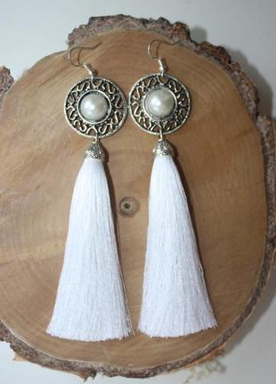 Серьги серёжки кисти кисточки белые нити шикарные нарядные пышные свадебные