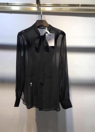 Блуза диор ,надета раз для фото шелк