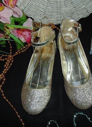 Шикарные туфельки marks&spencer  34.5р,ст 21,5 см.мега выбор обуви и одежды!