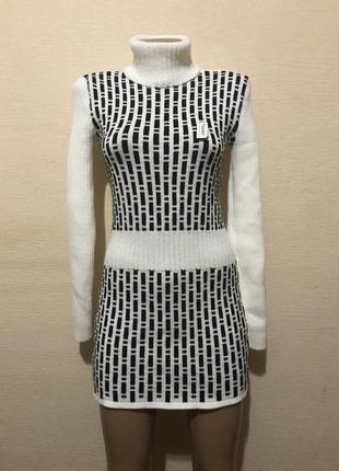 Длинный свитер туника вязанное платье в рубчик