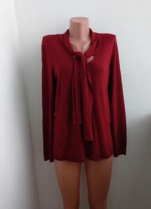 Р m-l красивый свитер бордового цвета !
