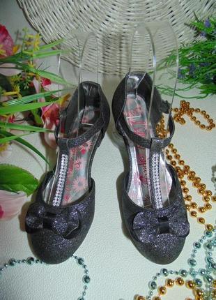 Гламурные нарядные туфли lilley sparkle 32(13)р,ст 20см.мега выбор обуви и одежды!
