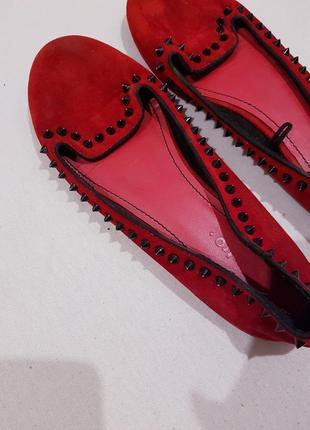 Красные бархатные слипоны
