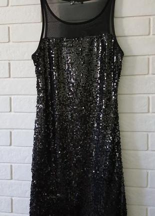 Маленькое черное платье в пайетках