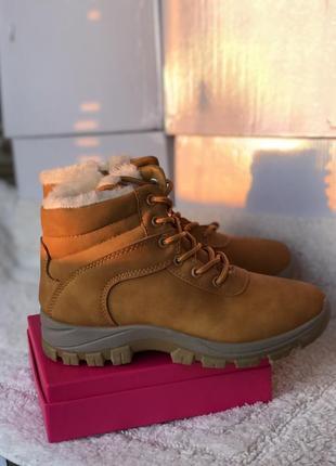 Рыжие ботинки 2019 - купить недорого вещи в интернет-магазине Киева ...  023ae31cb8f1d69  Отличные женские сапоги ботинки timberland ... 9f47b840199c3