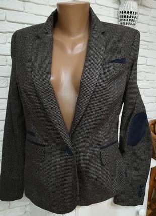 Стильный  шерстяной пиджак с заплатками,р.s