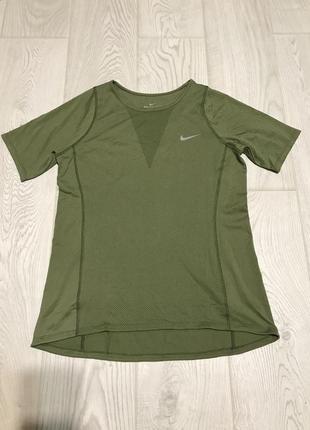 Классная футболка nike оригинал.