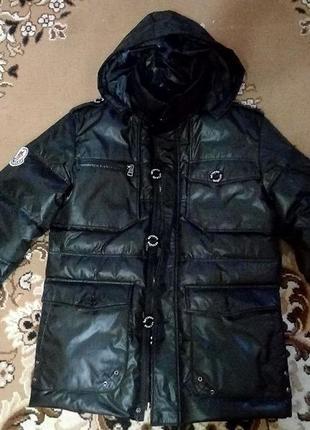 Продам мужскую зимнюю куртку(пуховик)moncler