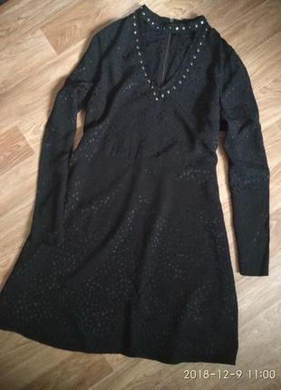 Платье с чокером