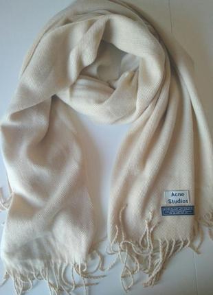 Изысканный нежно-кремовый шарф, палантин acne studios, 100% овечья шерсть