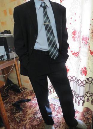 Мужской костюм свадебный выпускной 48 р