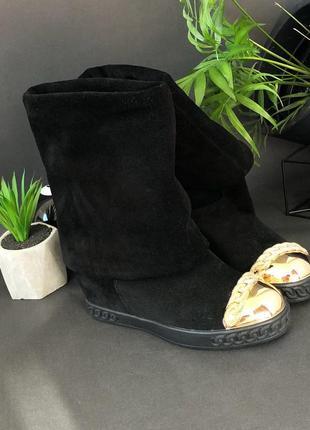 Черный ботинки casadei с золотым носом