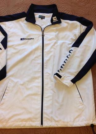 Спортивная куртка diadora