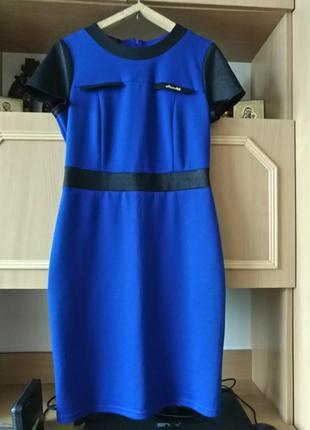 Платье деловое короткий рукав