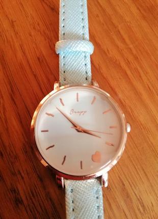 Годинник бренду cropp