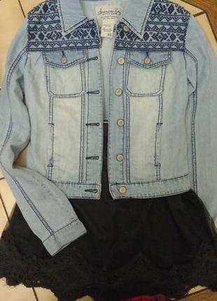 Куртка джинсовая (тонкая) с вышивкой