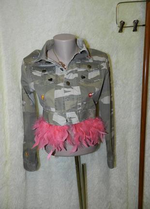 Пиджак милитари с патчами и перьями joy перья отстёгиваются
