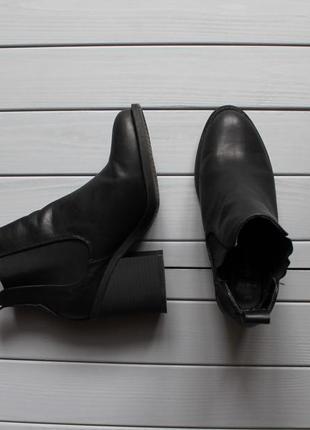 Ботинки сапожки на каблуке