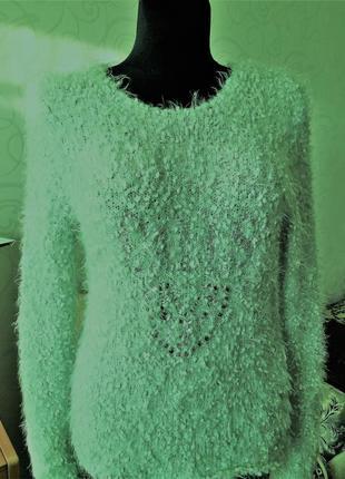 Фирменный свитер травка с камнями