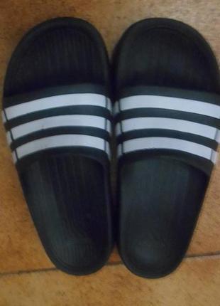 Щдепанцы adidas р.38