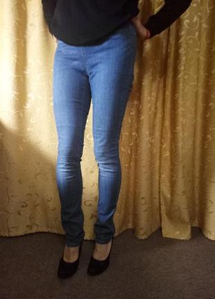 Классные джегинсы джинсы от pieces размер м