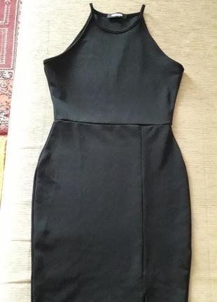 Маленькое черное платье по фигуре с-м