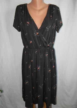 Красивое платье с принтомптички lindy bop