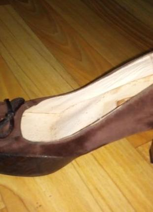 Туфлі з натуральноі замші