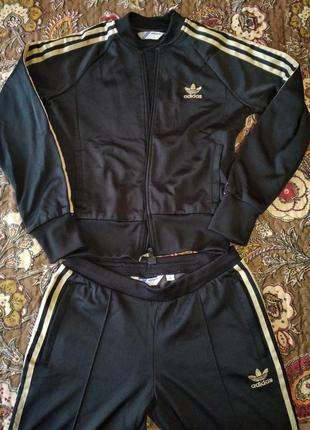 Спортивный костюм adidas, р.38