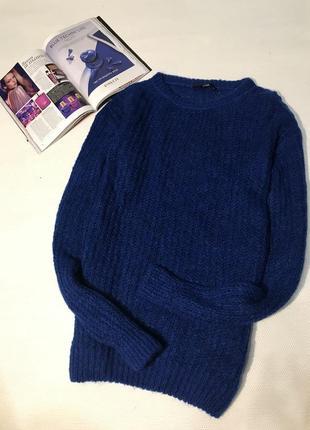 Объёмный свитер крупной вязки1