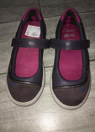 Оригинальные, классные туфельки clarks daisy с игрушкой