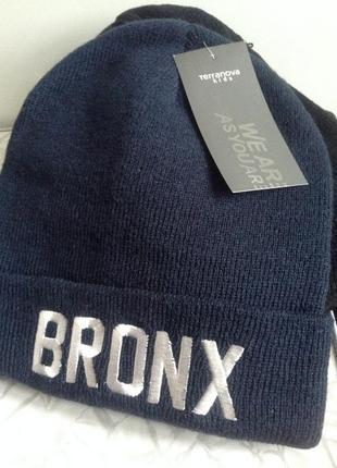 Базовая  темно синяя шапка бини с вышивкой brooklyn bronx
