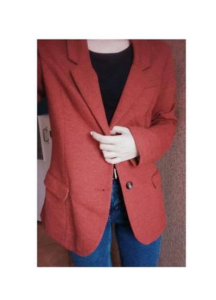 Ярко малиновый пиджак от h&m