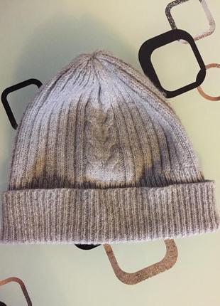 Серая шапка шерстяная