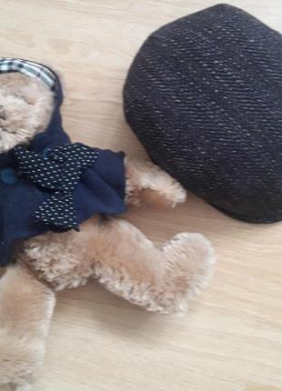 Классная кепка от известного бренда harris tweed