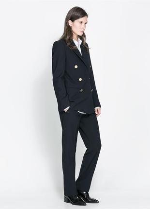 Пиджак-блейзер чернильного цвета с золотыми пуговицами zara woman studio размер 44-46